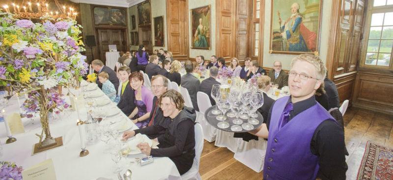 Beispiel: Hochzeitsgesellschaft, Foto: Wasserschloss Lembeck.