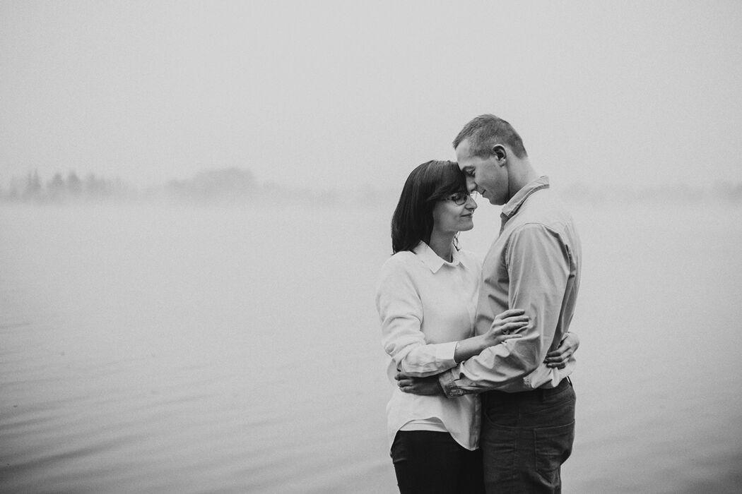 Sesja narzeczeńska - fotografia kadrowana sercem