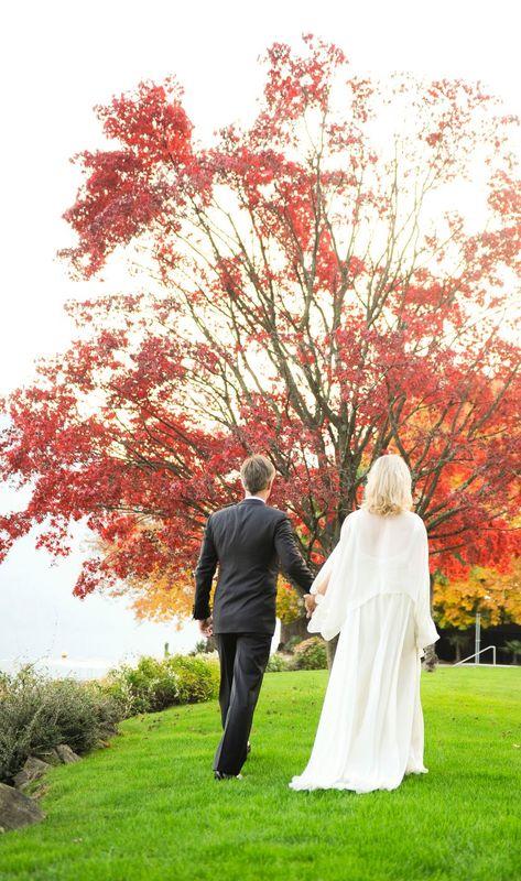 Hochzeitspaar am Privatstrand, Foto: Park Weggis.