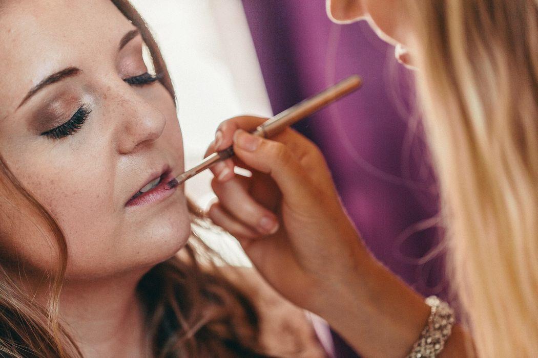 Cassie Make-Up Artist