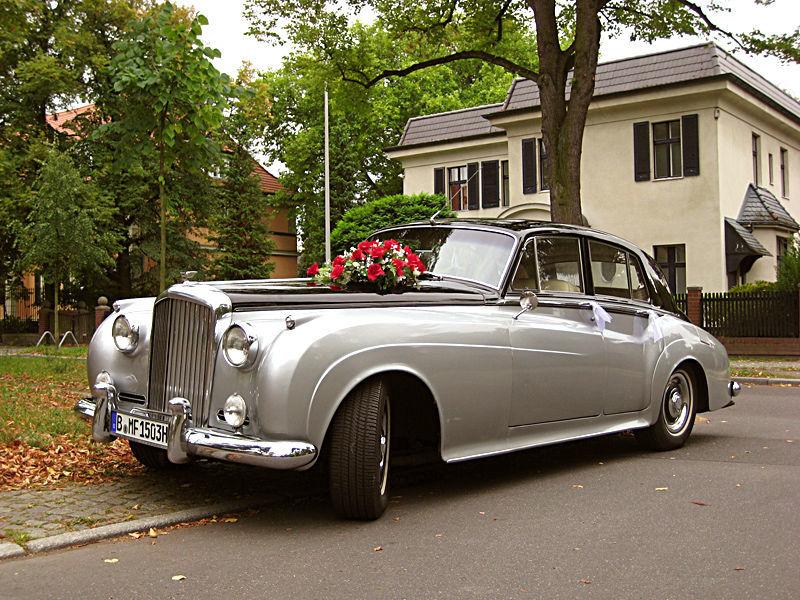 Beispiel: Ihr elegantes Hochzeitsauto, Foto: ClassicCars.