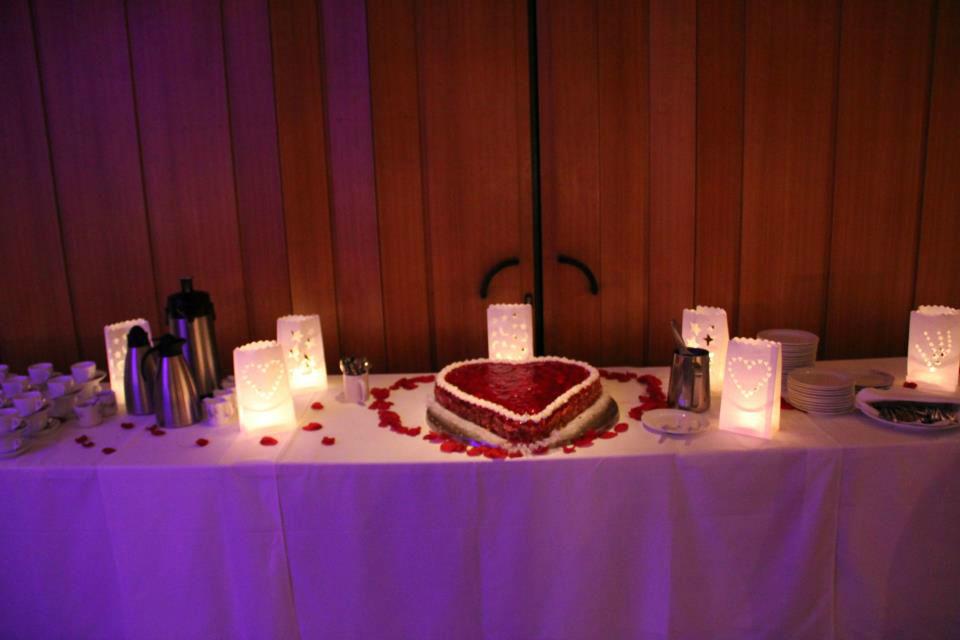 Beispiel: Büffettisch - Hochzeitstorte, Foto: Clubhaus Bramfelder SV.