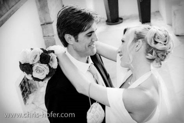 Beispiel: Romantische Fotos von Ihrer Hochzeit, Foto: Chris Hofer Fotografie.