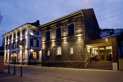 Beispiel: Außenansicht Nacht, Foto: Weingut Kruger-Rumpf.
