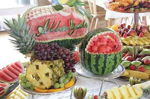 Beispiel: Fruit Carving, Foto: JA - Der Hochzeitsplaner.