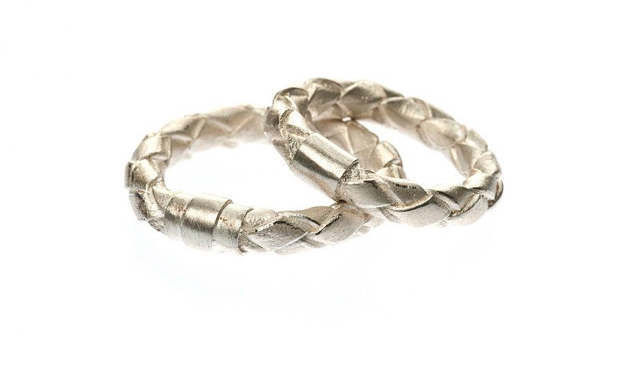 Beispiel: Ringe in Silber mit speziellem Design, Foto: Eve & Me.