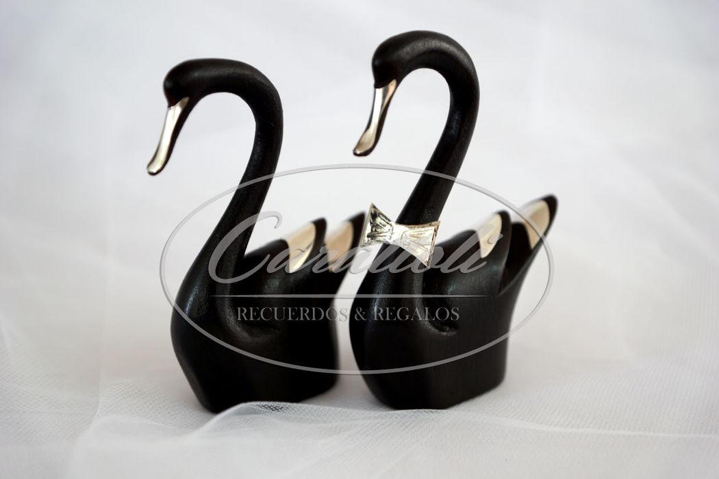 Cisnes con apliques de plata