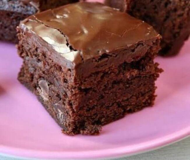 Doces Mel Bem Casados e Brownies