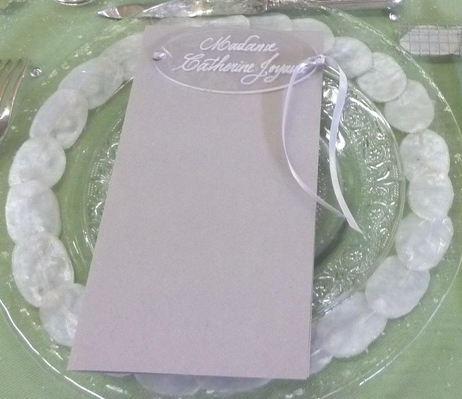 Marque-place Plexiglas calligraphié blanc 10cm/5cm