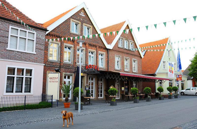 Beispiel: Vorderseite, Foto: AKZENT Hotel Tietmeyer.