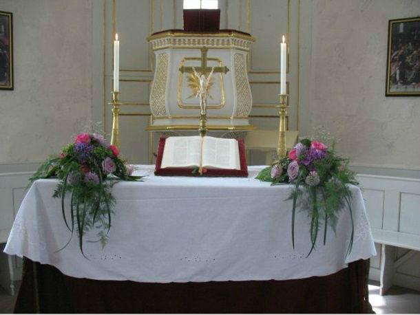 Beispiel: Altarschmuck, Foto: Blatt+Form.
