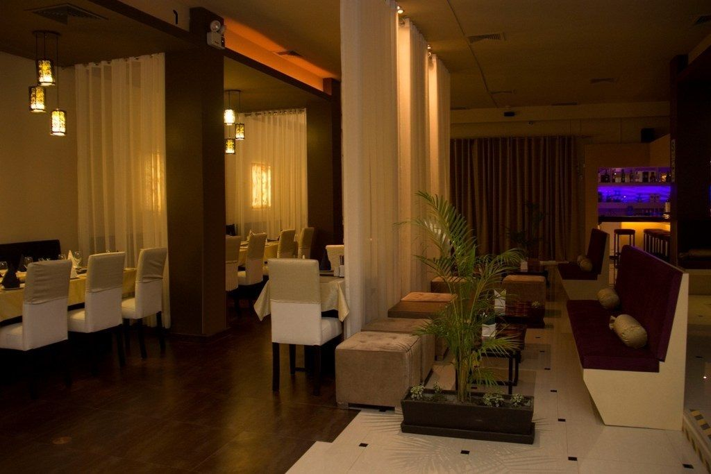 Flame Restaurant & Lounge