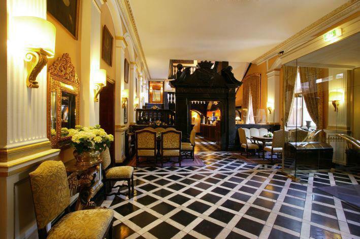 Beispiel: Lobby, Foto: Schlosshotel Hugenpoet.