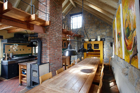 Beispiel: Küche, Foto: Weingut am Stein.