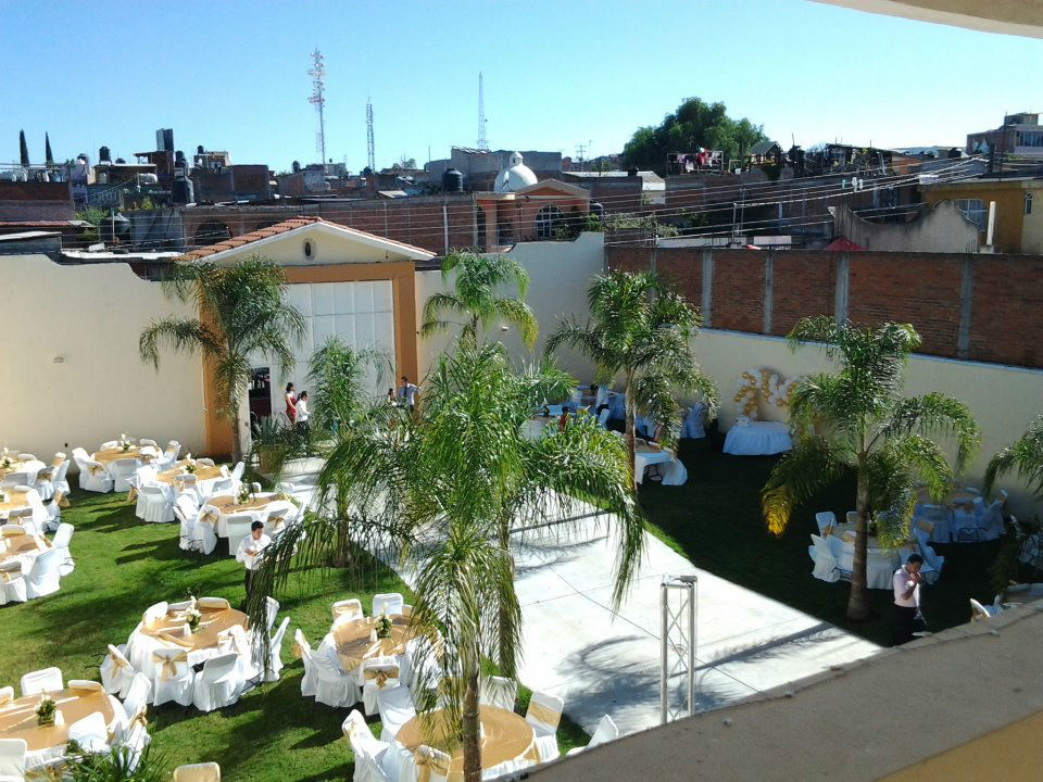 Salon jardin mayton bodas for Salon villa jardin morelia