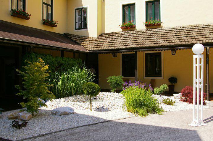 Beispiel: Steingarten, Foto: Inselhotel Faakersee.
