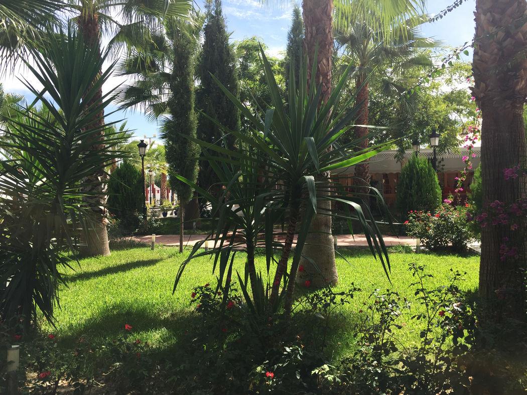 Jardines Salón Mozarabe. Hacienda Azahares