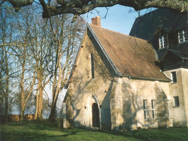 Manoir du Val Denis - Le manoir a été construit adossé à une ancienne chapelle templière.