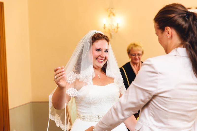 Glückliche Braut und ich.