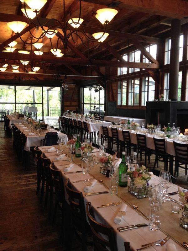 Beispiel Tischdekoration  Vintage Wedding Blumenkörbli