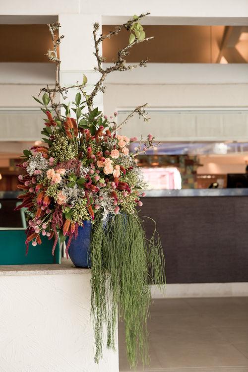O lindo arranjo floral desconstruído é uma marca nossa