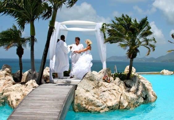 mariage dans une villa luxe réalisé par  www.fee-des-caraibes.com