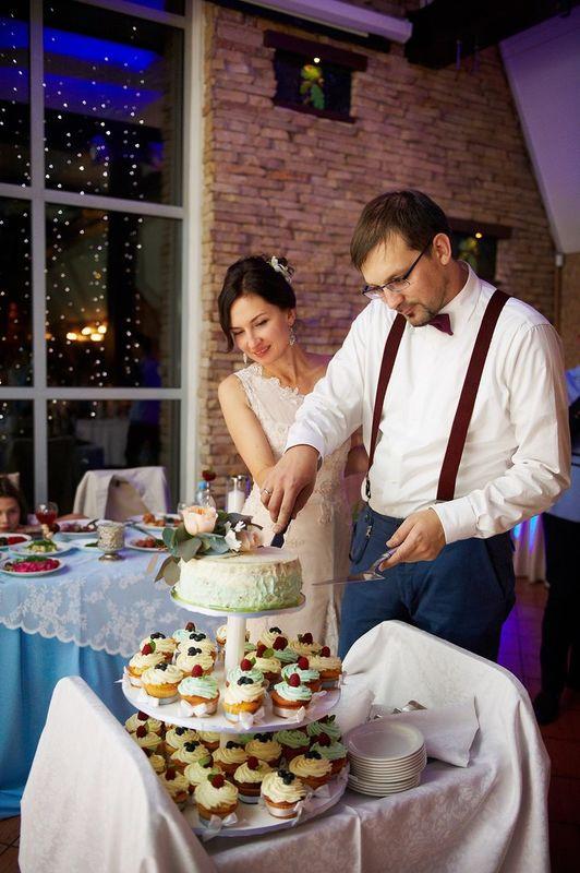 Свадебный торт и капкейки