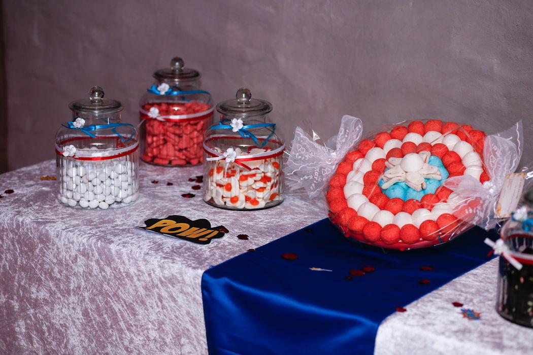 Mariage thème super-héros Marvel : canddy bar