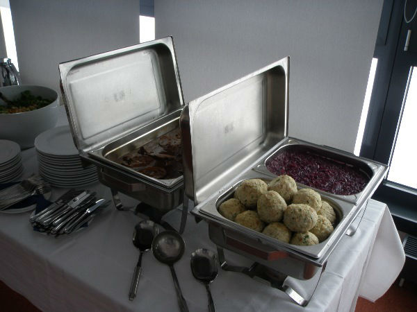 Beispiel: Warmes Buffet, Foto: Skyline Catering & Event's.