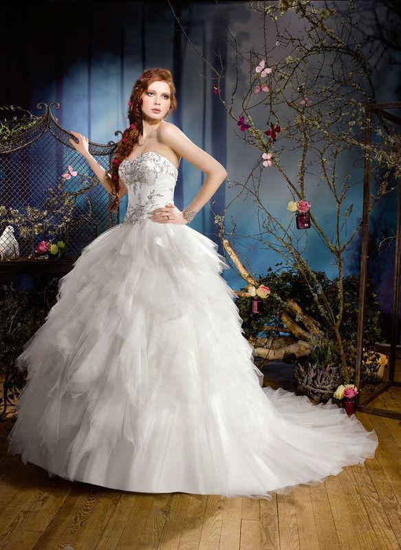 Beispiel: Traumhafte Kleider, Foto: Monalisa Brautmoden.