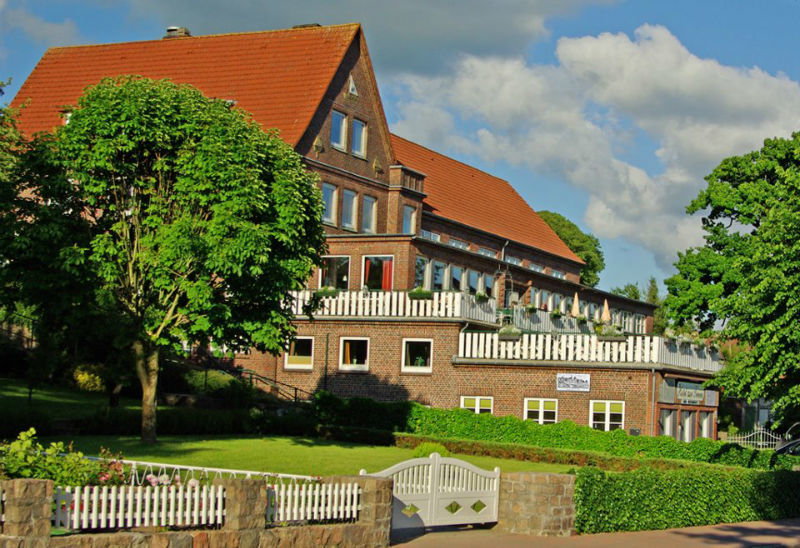 Beispiel: Seitenansicht, Foto: Hotel zur Treene.