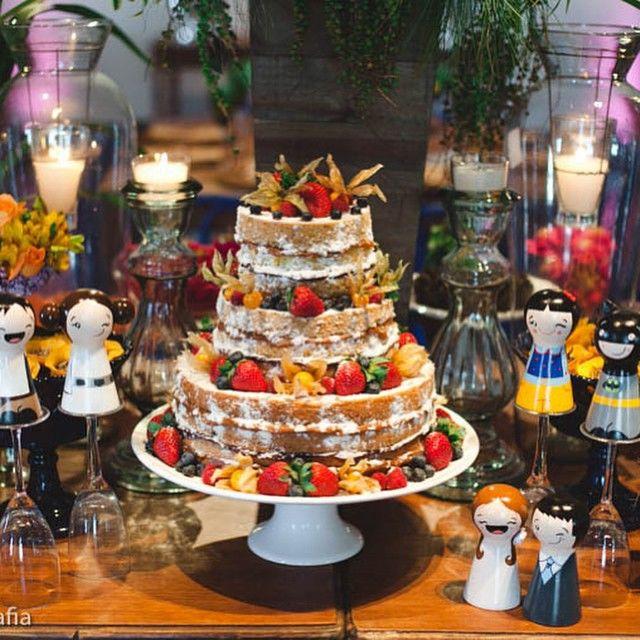 Naked cake de fruas silvestres para um lindo casamento no Sola Real, Santa Teresa.