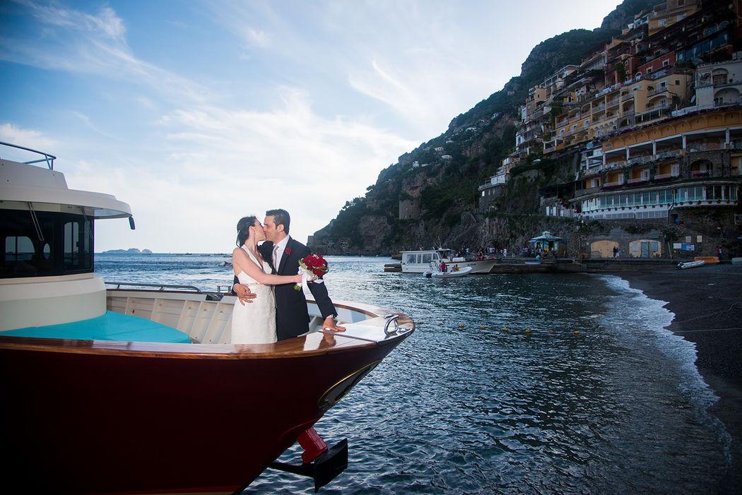 In barca con gli sposi