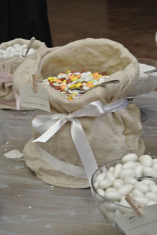 Shabby chic wedding - Particolare confettata
