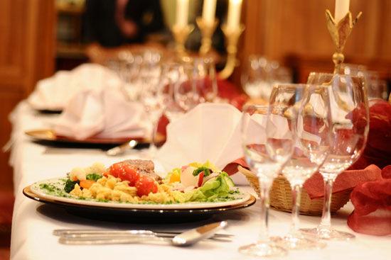 Beispiel: Leckere Menüs für Ihre Feier, Foto: Landhaus Hubertus.