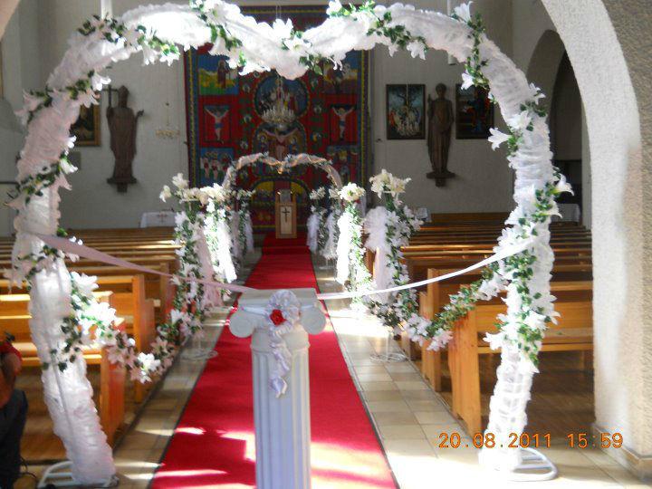 Beispiel: Dekoration der Kirche, Foto: Arkadas Dekorasyon.