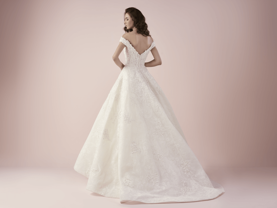 3254 Платье принцесса с вырезом лодочкой на спине от Saiid  Kobeisy