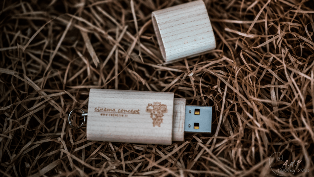 Wood Pendrive Delivery