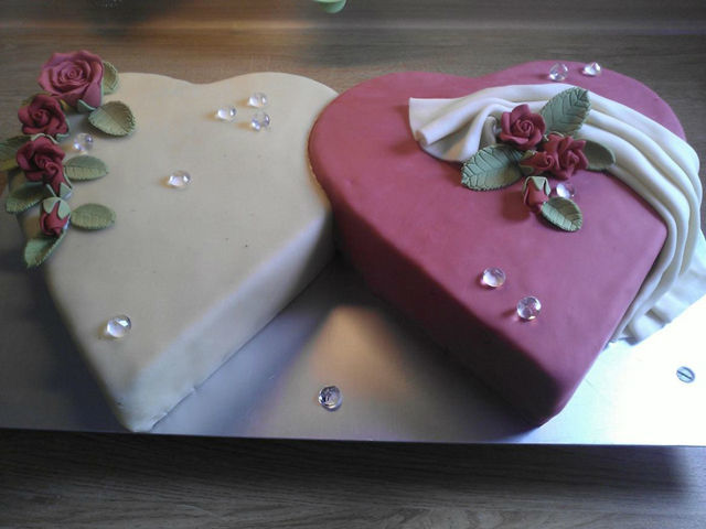 Beispiel: Hochzeitstorte, Foto: Cream Cake.