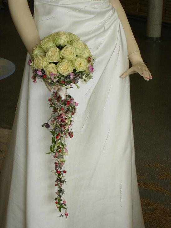 Beispiel: Brautstrauss, Foto: Blumen-Werkstatt.