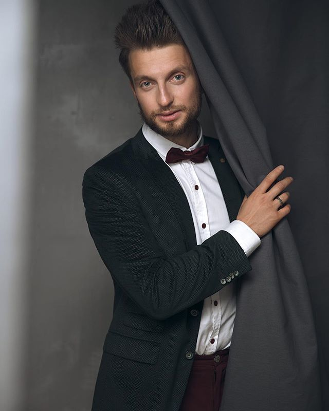 Ведущий Дмитрий Шаповал