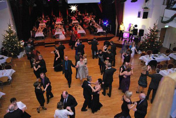 Beispiel: Ihr Hochzeitswalzer live, Foto: Die Band Party-Time.