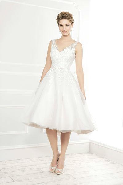 Beispiel: Kurzes Hochzeitskleid, Foto: Mery's Couture Bad Ragaz.