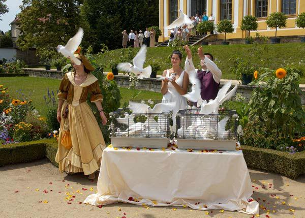 Beispiel: Ihr Hochzeitstauben-Service, Foto: Hochzeitstauben Dresden®.