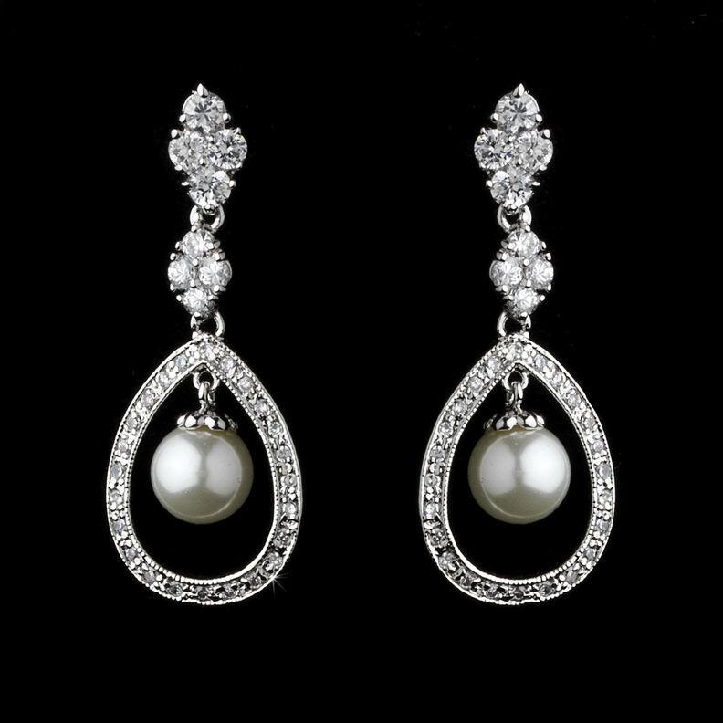 Boucles d'oreilles de mariage en perle et CZ