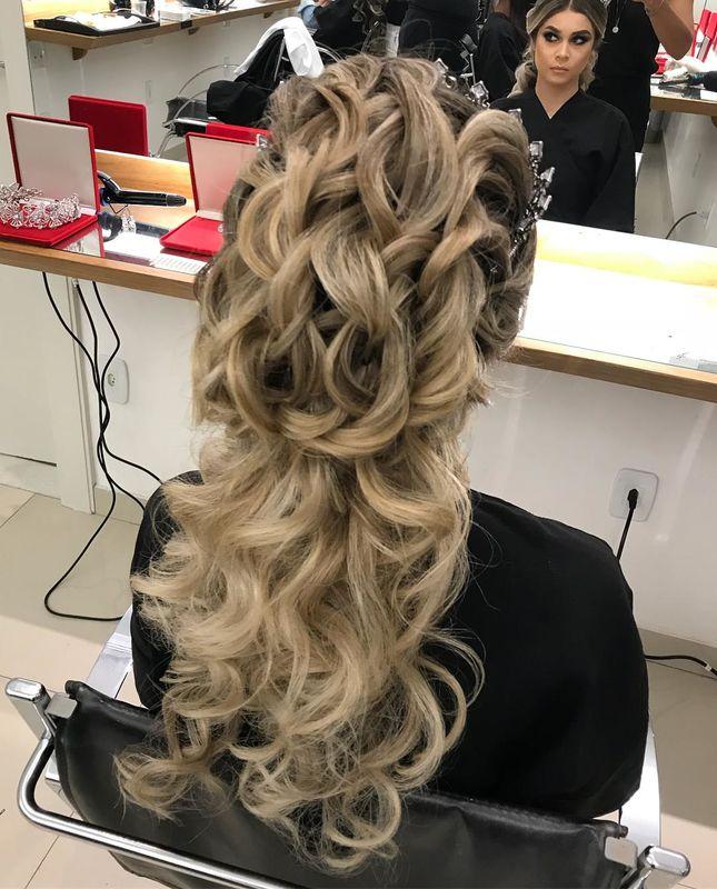 Karla Bernardes Hair Dresser