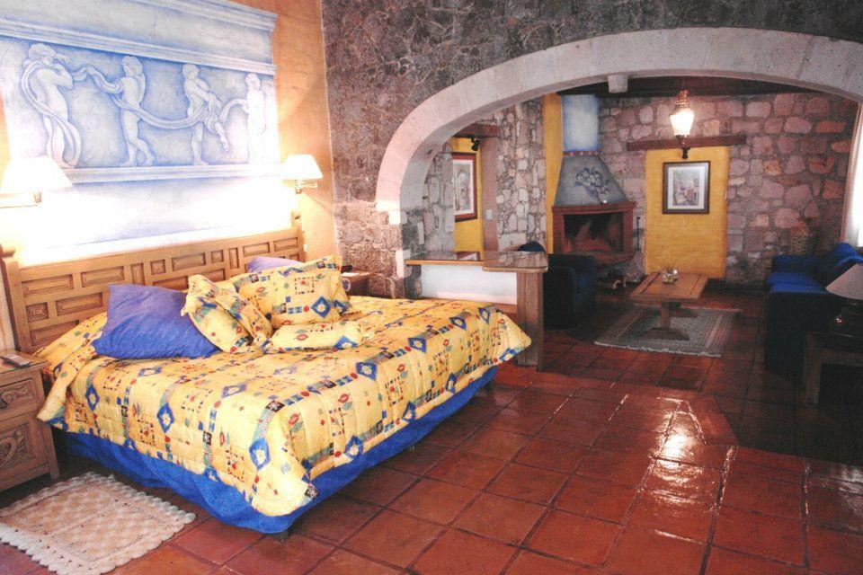 Villa San José Hotel & Suites