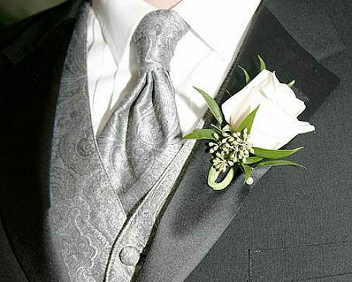 Beispiel: Anstecker, Foto: Blütezeit Babette Becher.