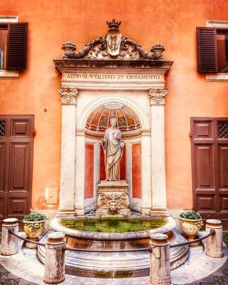Palazzo Ferrajoli