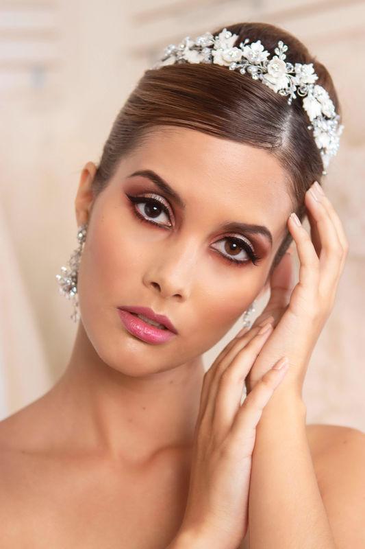 Mariana Valencia Make Up
